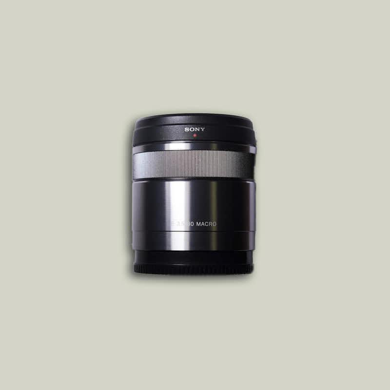 Objektiv-Sony-E-Mount-SEL30F35-back